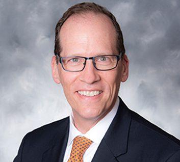 Jonathan Schiller headshot